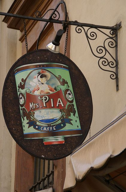 Torino, Via della Consolata, Caffè Mrs. Pia | Flickr: Intercambio de fotos