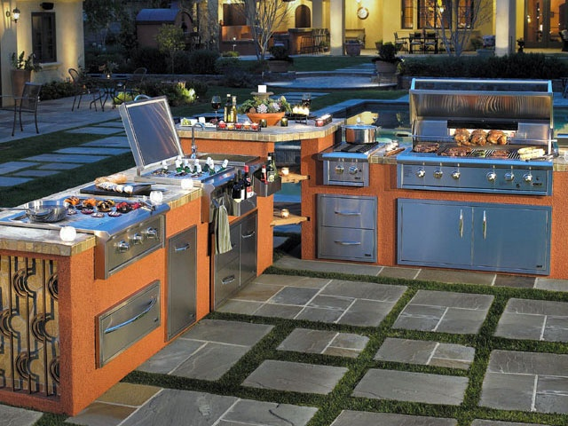 Outdoor Kitchen   Lots Of Different Grilling Surfaces #outdoorkitchens #bbq