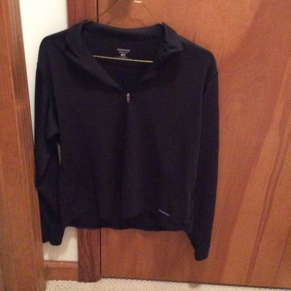 Patagonia Shirt Size Small in black! Hi!  You're looking at a great Patagonia shirt size small in black!  This is a great shirt to go running in, doing errands, or a casual day to the movies!  Please feel free to ask questions, and I'll be more than happy to help! Patagonia Tops Tees - Long Sleeve
