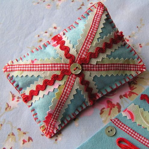 SEWING KIT - Union Jack Pin Cushion - Felt and Cath Kidston Fabric