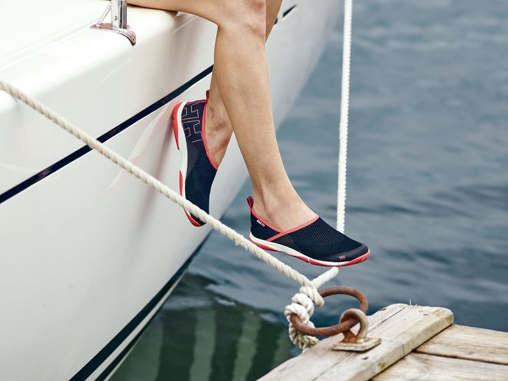 W Watermoc 2 The Women´s Watermoc 5 is a low profile nautical slip-on perfect for watersport activities, a day on the beach, or a walk down the boardwalk. A flexible EVA midsole provides great comfort and protection whilst the podular rubber outsole with HellyGrip rubber provides great traction.
