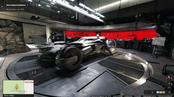 #Cine #Mapas #batman Ya puedes explorar la Baticueva de Batman v Spiderman en Google Street View