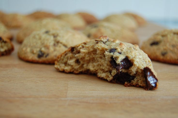 Protein Oatmeal Chocolate Chip Cookies | Chip cookies, Sweet and ...