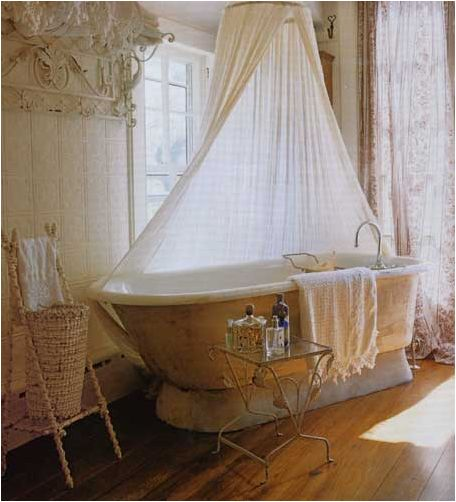 Love this! If I had the bathroom, I could decorate in a similar way on a small budget!