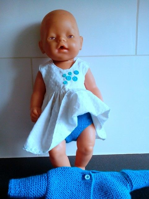 Complete set voor babyborn...zomerjurkje, bolerootje en broekje. Kijk eens op fbpagina Helma's Poppenkleding