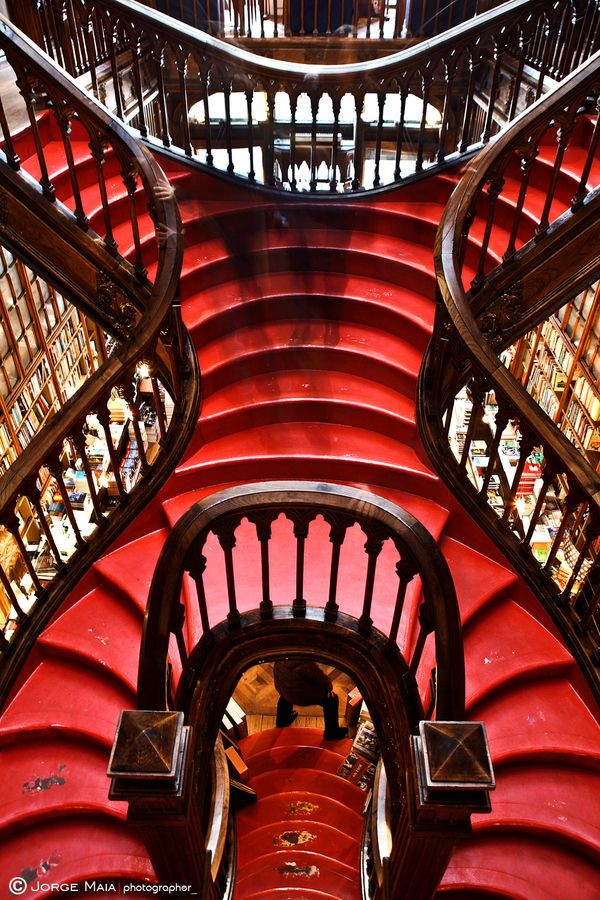 The red stair by Jorge Maia: Red Colors, Jorge Maia, Colors Design, Maia Architecturephotographi, Unusual Stairca Interiors, Red Stairca, Red Step, Stairways, Red Stairs