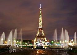 Wieża Eiffla, Fontanny, Paryż, Nocą