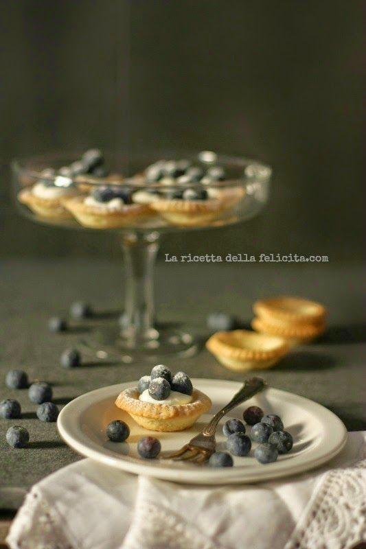 La ricetta della felicità: Tartellette ai mirtilli con crema allo yogurt grec...