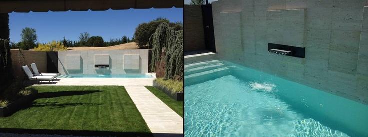 Los elementos tradicionales son susceptiples de actualizarse por completo. En la actualidad existe una amplia gama de elemento para instalar en paredes y potenciar el uso del aguan el el jardín. Por Juan Casla Paisajismo.