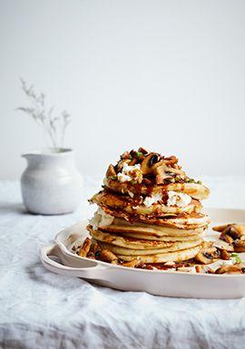 Ces pancakes se servent bien au brunch, mais elles constituent aussi une bonne option de repas pour le souper.