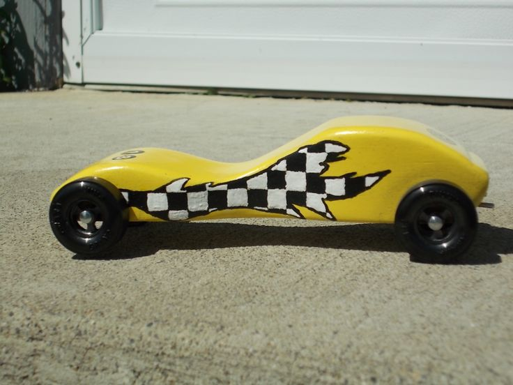 pinewood derby corvette template - yellow corvette with race flag flame 2013 1st place speed