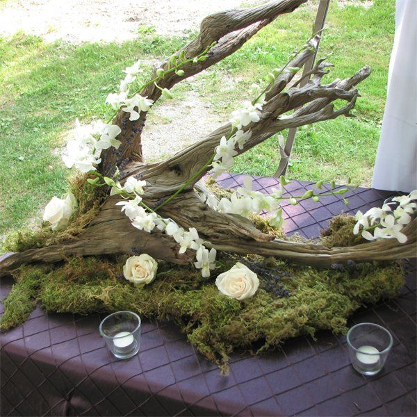 Petrified wood centerpiece trev and mandy 39 s wedding for Driftwood table centerpieces