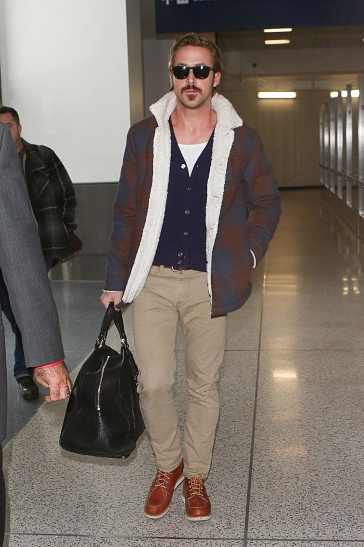 Pin for Later: Les Photos People de la Semaine à ne Pas Manquer  As it's Movember, Ryan Gosling joined the group of hot moustached men of Hollywood.
