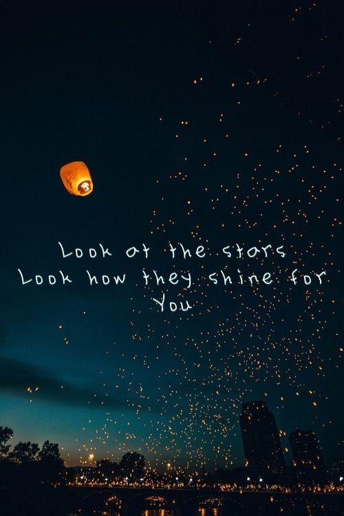 Aunque tus ojos resulten mil veces más bellos.                                                                            Yellow by Coldplay