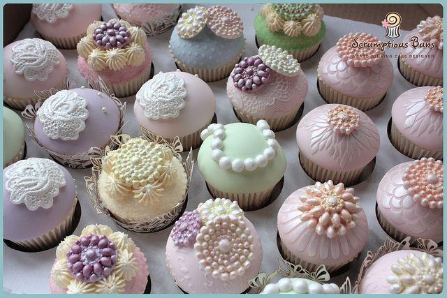 Vintage Cupcakes by Scrumptious Buns (Samantha), via Flickr