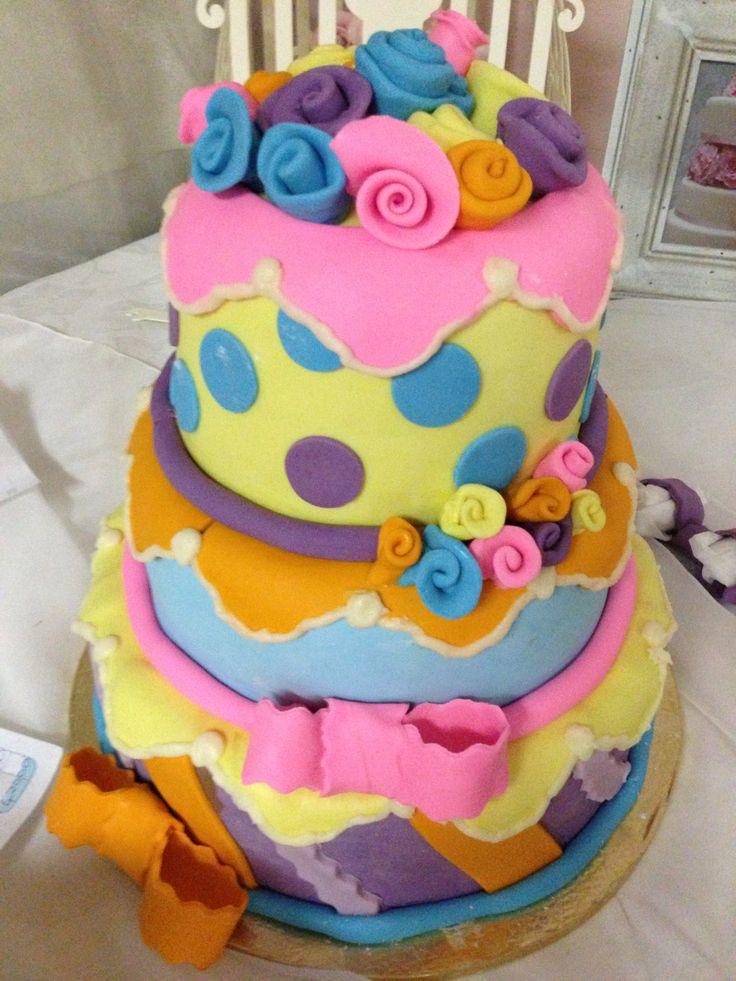 Girlie birthday cake! Www.cakedinafrica.com