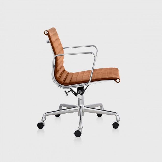 Eames® Aluminium Group Management Chair in Brown Leather
