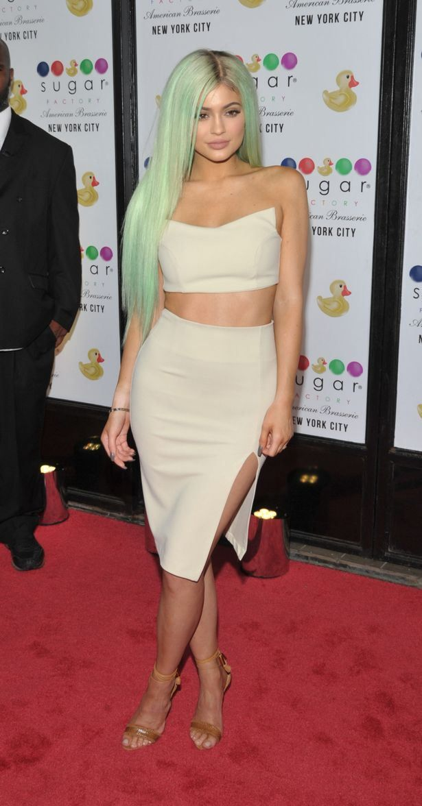 Kylie Jenner Mixes Things Up With Mint Green Hair Color 2