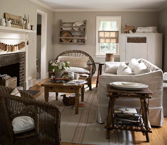 Linen and wood make a perfect pair in this peaceful living for Peaceful living room ideas
