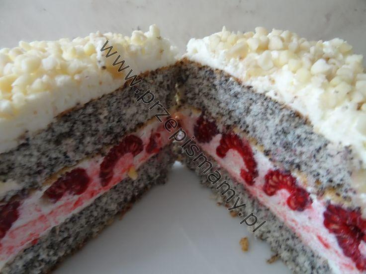 Ciasto makowe ze śmietaną i malinami