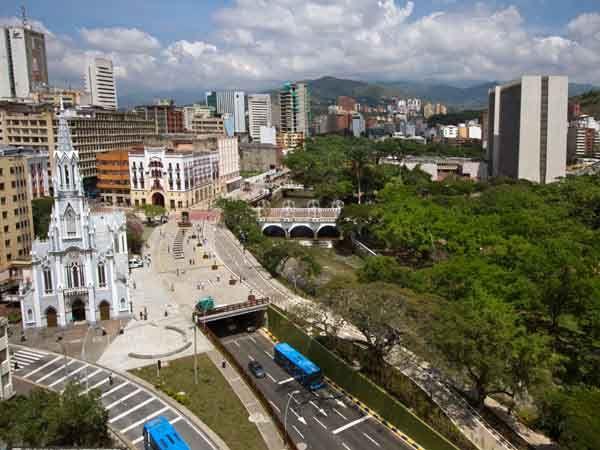 A partir del 2 de julio, la chiva rumbera de Cali Mundial llegará a los corregimientos y comunas de Santiago de Cali