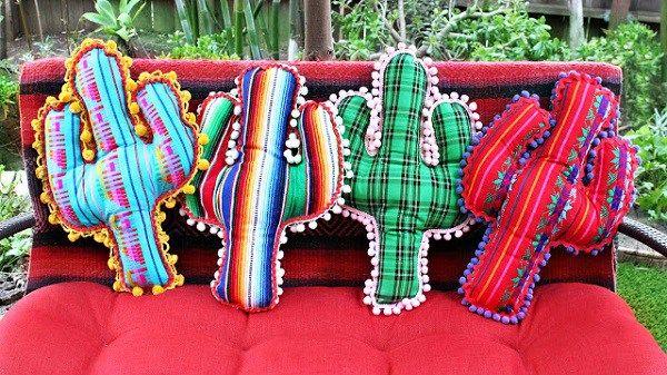 Tutorial: No-sew pom pom trim cactus pillows