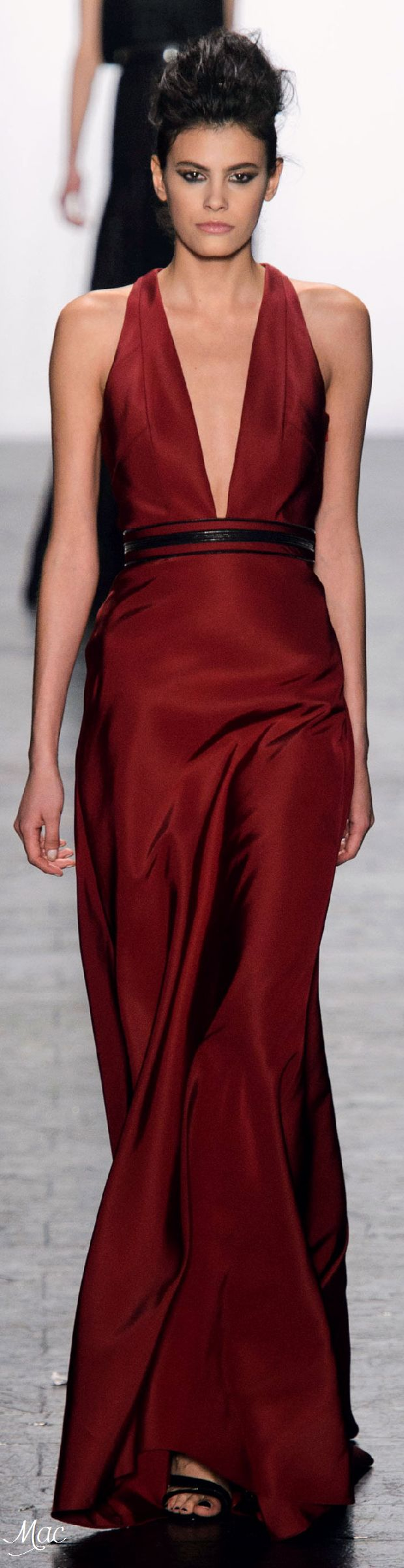 Fall 2016 Ready-to-Wear Carmen Marc Valvo