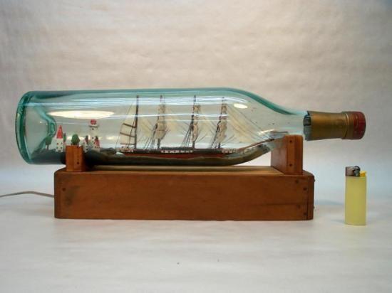 barco en botella con luz  cristal,madera restauración