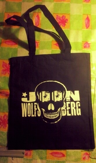 printed some cotton bags today :D with screen printing. They turned out pretty cool ;) #joon wolfsberg