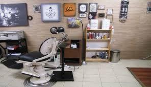 Resultado de imagem para tattoo studio interior