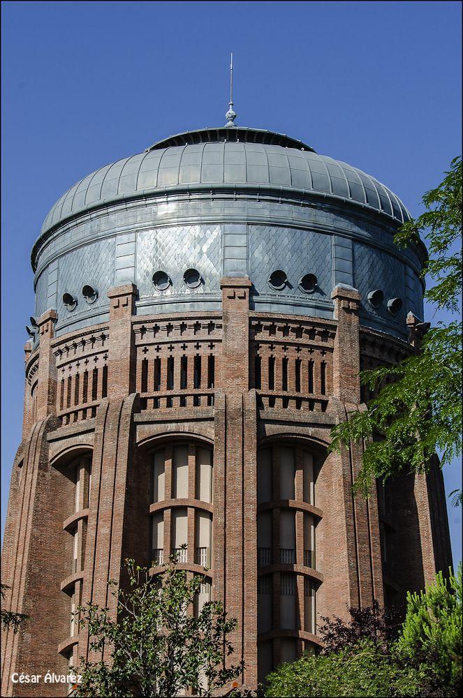 Primer deposito de agua elevado de Madrid. Construido a principios del siglo XX. Actualmente se utiliza como sala de exposiciones.