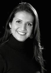 """Daniela do Lago é mestre em comportamento organizacional, possui MBA em marketing pela FGV e é graduada em administração. Possui experiência profissional de 12 anos atuando com gestão de pessoas. Atua como coach executivo e treinamentos na área comportamental para diversas empresas e segmentos. É professora dos cursos de MBA da Fundação Getúlio Vargas. Ganhadora do prêmio """"Líder Empreendedor 2010"""", fornecido pelo Congresso de Recursos Humanos FONATE. Palestrante, colunista da Rádio…"""