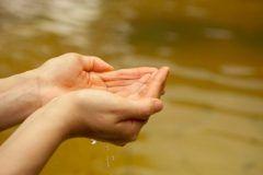 JAF長崎支部が2017年1月7日土と8日日に2日間限定で長崎県内の7カ所の温泉施設で全国統一JAFデーを開催します 今回のJAFデーはお正月の疲れを癒していただこうと長崎県内の温泉施設7カ所の協力で2日間限りのお得な温泉まつりを開催 JAF会員証の提示で割引が受けられます  割引が受けられる施設は以下の通りです 福島温泉ほの香の里つばき荘松浦市 大人600円400円 はさみ温泉湯治楼波佐見町 大人600円450円 九十九島温泉花みずきサスパ佐世保市 大人800円650円 川棚大崎温泉しおさいの湯川棚町 大人500円350円 サンスパ大村ゆの華大村市 大人650円500円 ゆりの温泉長与町 大人750円600円 長崎温泉やすらぎ伊王島長崎市 大人200円引き土日祝は料金が異なります tags[長崎県]