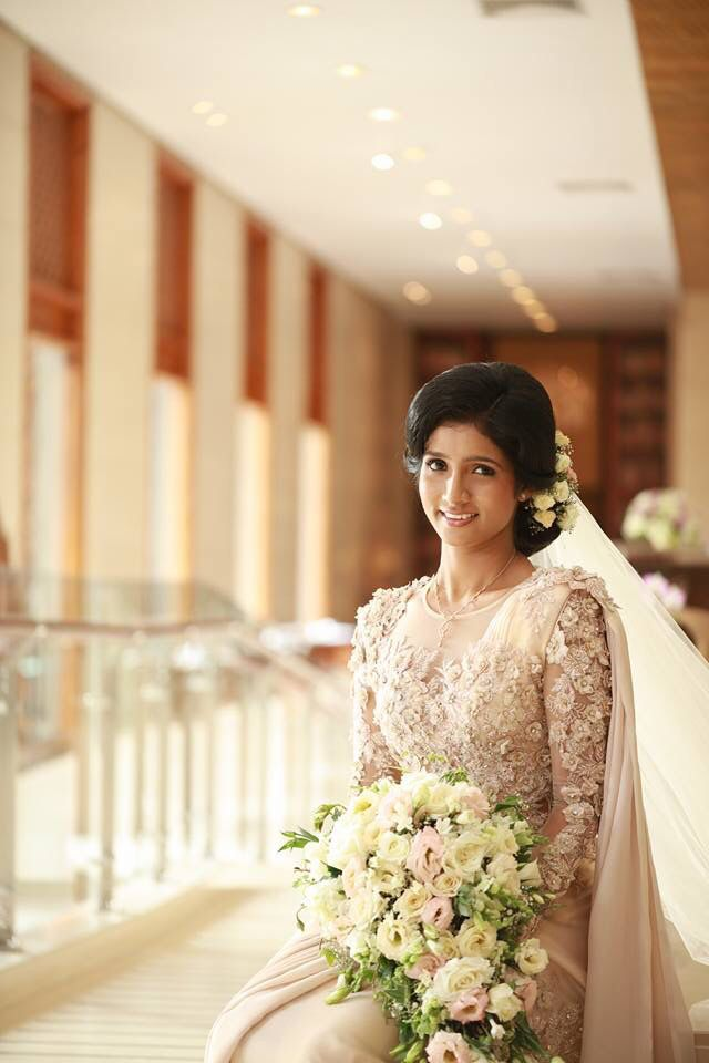 10 images about bridal saree designs on pinterest sri for Wedding party dresses in sri lanka