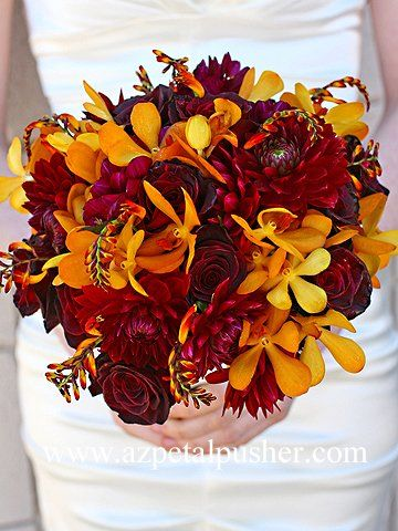 maroon & gold bouquet - this would make me want to get married all over again. Love the warmth of the colours