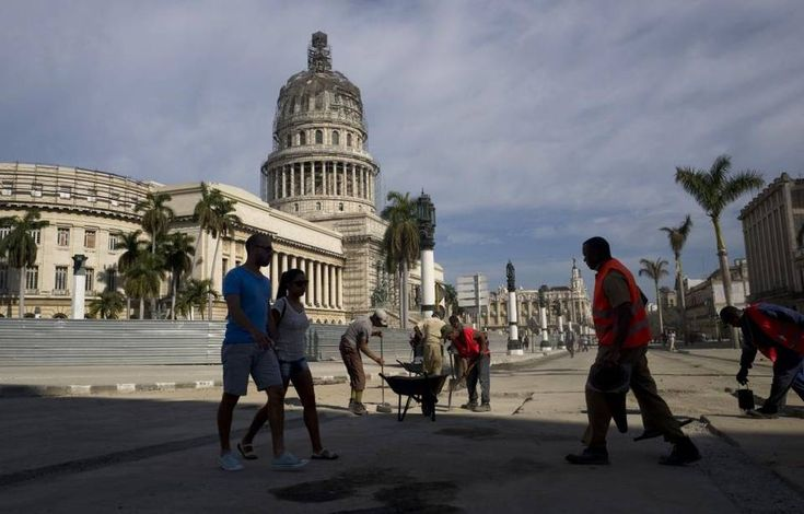 Cuba paid 5.299 billion dollars in 2016 to fulfill the commitments of restructuring of its external debt, in the middle of an economic crisis.