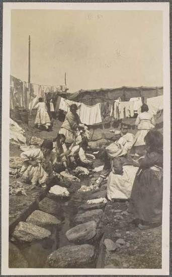 미국의 유명 소설가이자 아마추어 사진가였던 잭 런던이 러일전쟁 시기 종군기자로 조선을 방문해 찍은 사진을 모아 봤다. 사진은 당시 서울의 모습. OAC(Online Archive of California) 제공