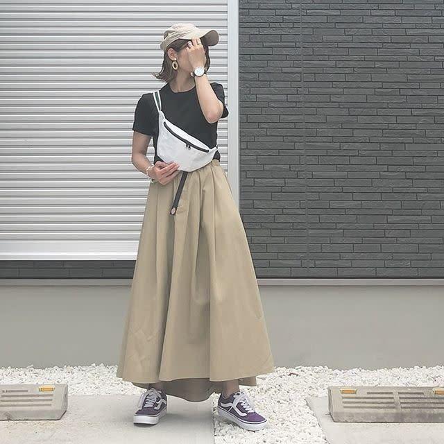 コーデ ベージュ ロングスカート Google 検索 ロングスカート ベージュ コーデ