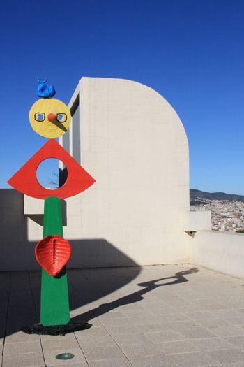 スペイン バルセロナのモンジュイックの丘にミロ美術館がある。屋上