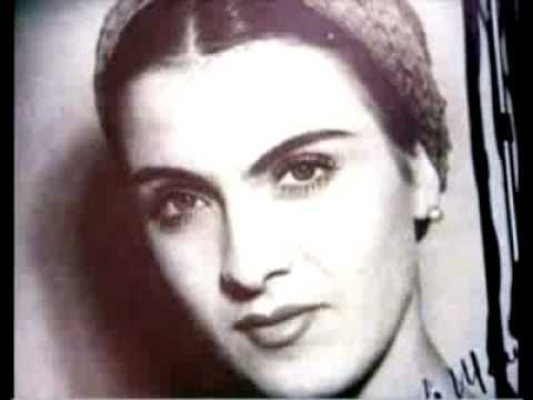 ▶ Maria Tanase sings Doina din Dolj - YouTube
