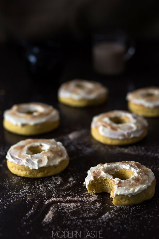 pumpkin donuts with maple icing, links to the recipe in English (scroll down, you'll find it)