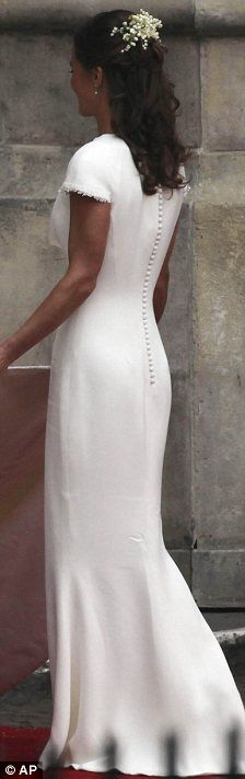 Although this was Pippa's Bridesmaid Dress I'd still wear this style as my wedding dress!! So simple and elegant :)