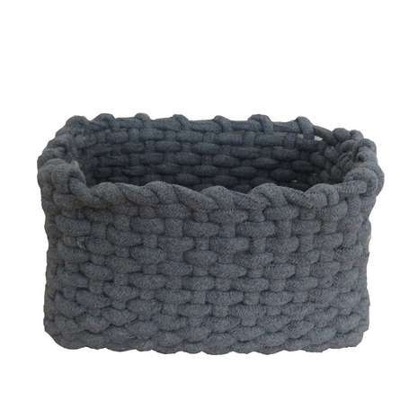 Keep your cosmetics or clothes organised in this versatile rope basket, crafted with a modern grey colourway that will complement any bathroom décor style.