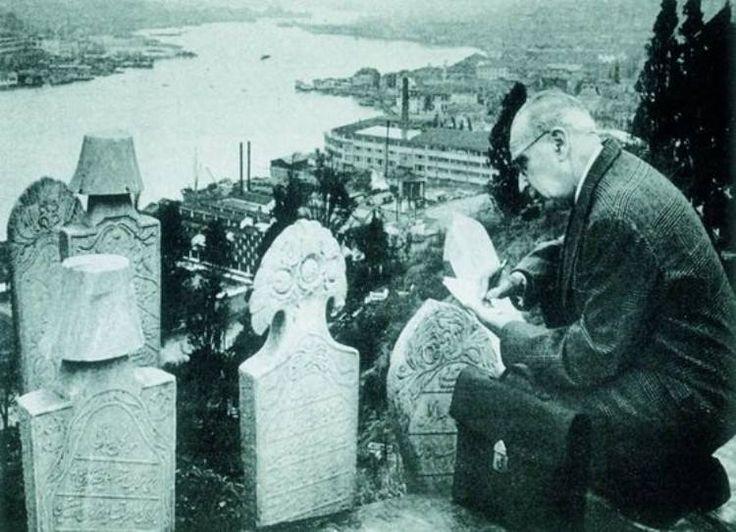 Piyerloti Mezarlığı Süheyl Ünver