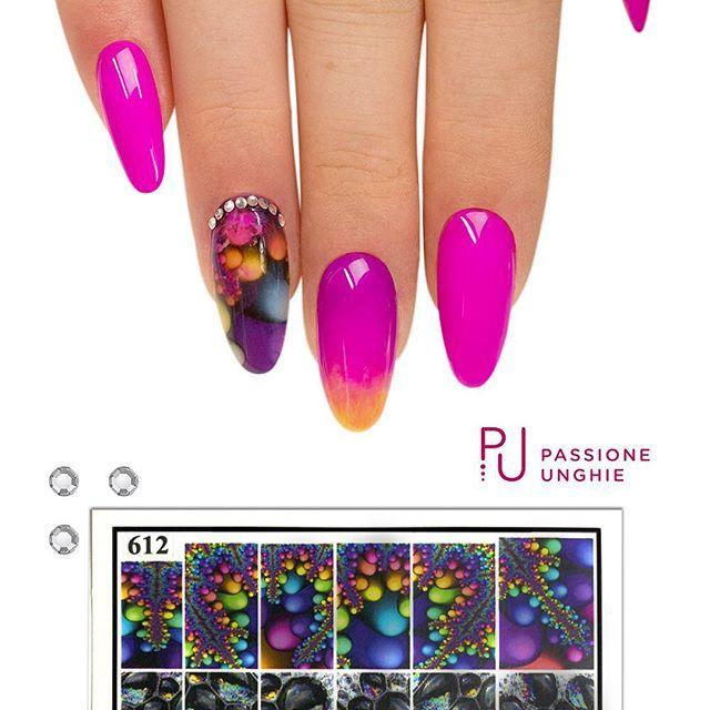 #WaterDecal n 612 e #geluv F78 #PurpleRain, C42 #FuxiaFluo e F46 #FluoLemon. #Swarovski SS3 Crystal. Refil realizzato con il costruttore #PinkyBuilder. Sigillato con #RockGloss.  #nailart #fuxia #giallo #shade #nails #nail #unghie #uñasdecoradas #uñas #beauty #cristalli #crystal #brillanti #nailsaddict #gelcolor #uñasengel #passioneunghieofficial