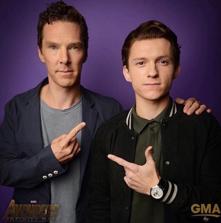 The British superheroes finally met and of course they're automatically buddies :)