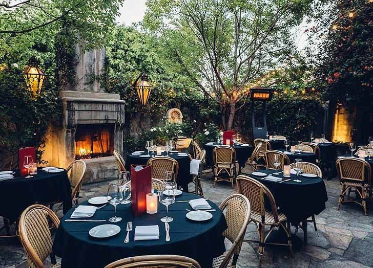 The 6 Coziest Restaurants With Fireplaces In Los Angeles Purewow Restaurant Patio Cozy Restaurant Patio
