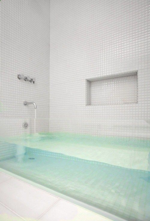 Clear glass tub. What?! Love!