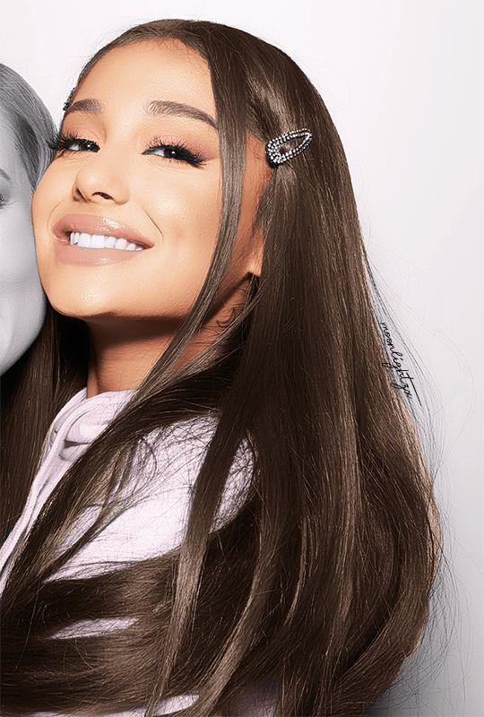 Pin By Lucia Elena On Ariana Grande Ariana Grande Selfie Ariana