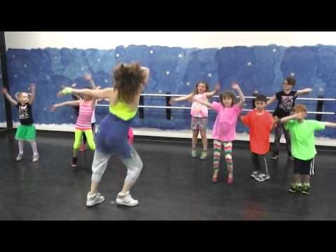 ZumbAtomic Warm up song---What Makes You Beautiful by One Direction